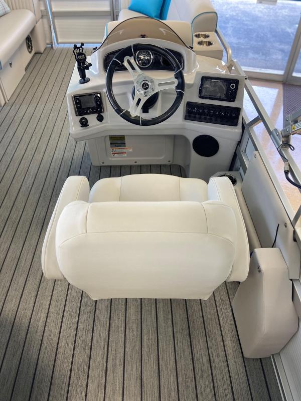 2020 Qwest LS 820 Lanai Pontoon Boat