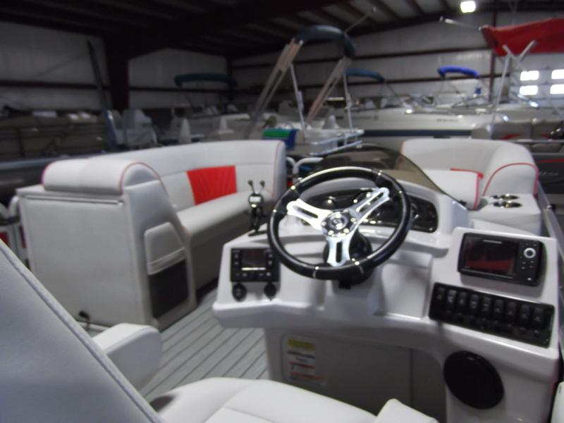 2020 Qwest LS 822 Splash Pad RW (TT) Pontoon Boat