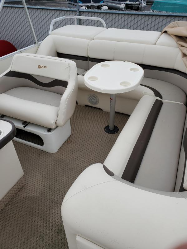 Used - 2003 Crest II Pontoon Boat