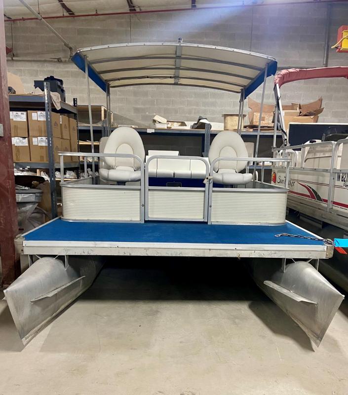 1982 SanPan Pontoon Boat