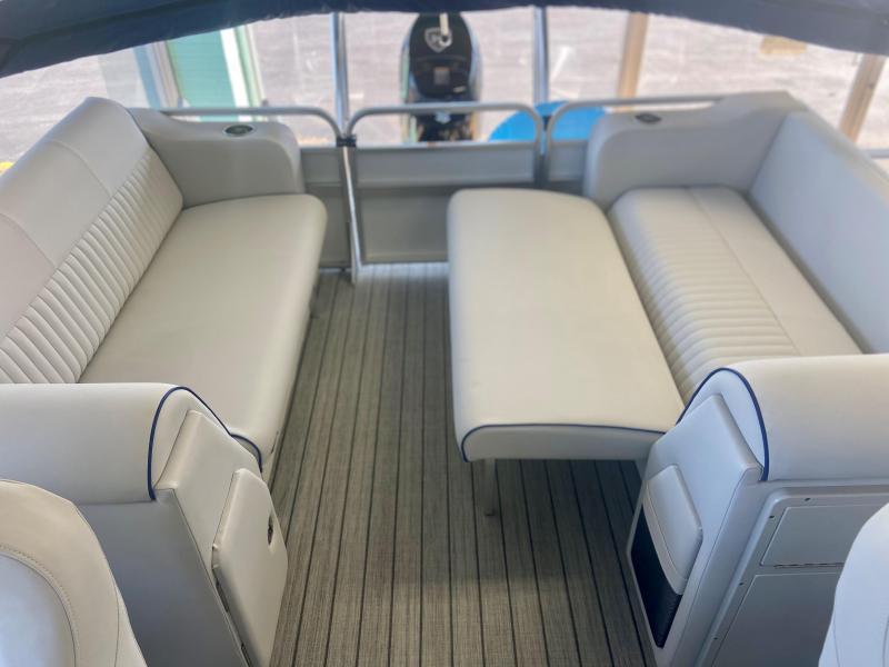 2021 Qwest LS 822 RLS Pontoon Boat