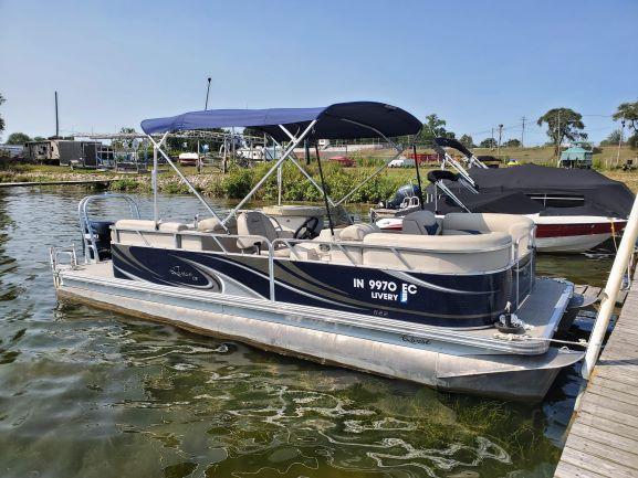 USED - 2015 Qwest LS 822 RLS Pontoon Boat  AS IS