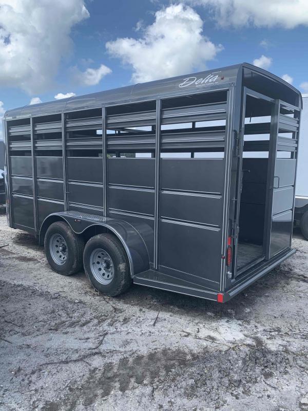 Delta Manufacturing Bumper Stock Horse Trailer Horse Trailer
