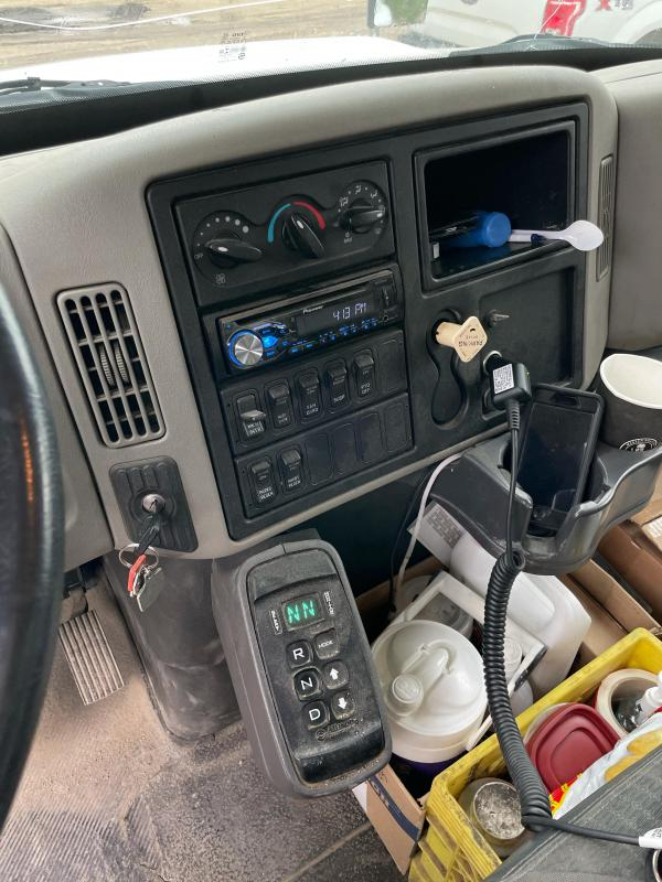 2010 International 4300 Enclosed Van Body