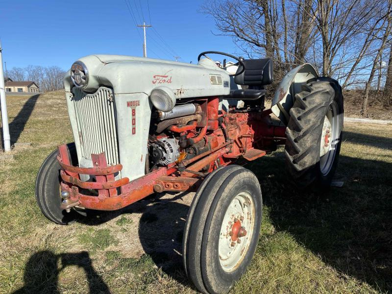 Ford 800 Tractor