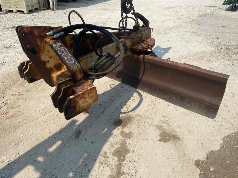 8' Hydraulic Blade