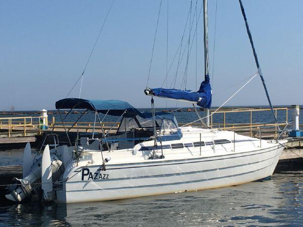 28' Sailboat Odin 820