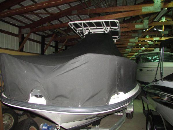 21' Boston Whaler 210 Dauntless
