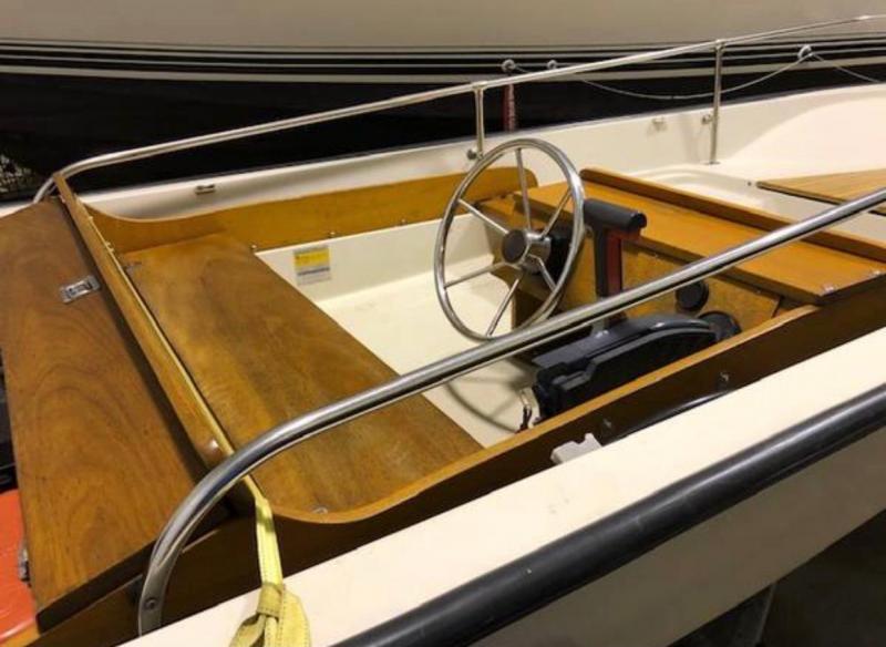 1987 Boston Whaler 150 Super Sport Yacht