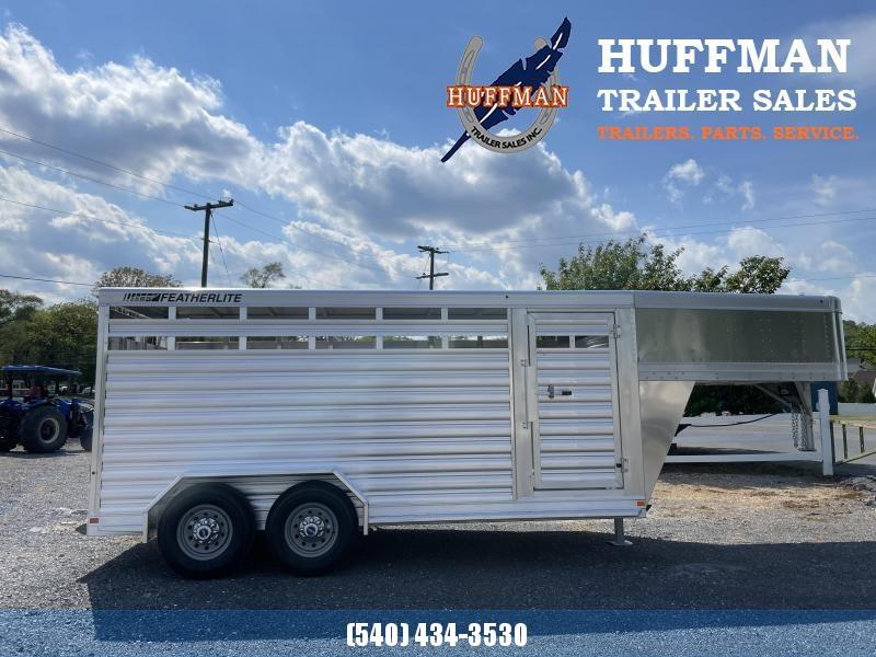 Featherlite 8117-16' Livestock Trailer