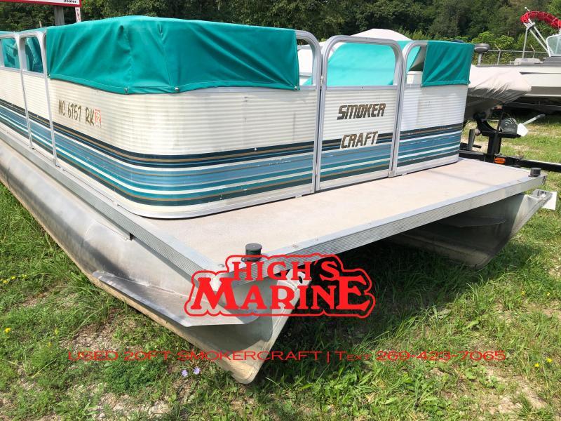 1997 Smoker Craft 20FT Pontoon Boat