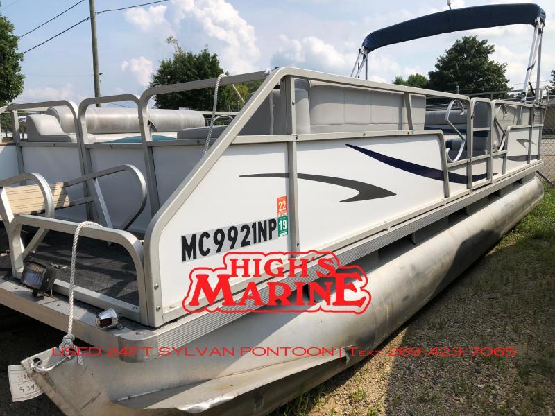 1990 Sylvan 824SE Pontoon Boat
