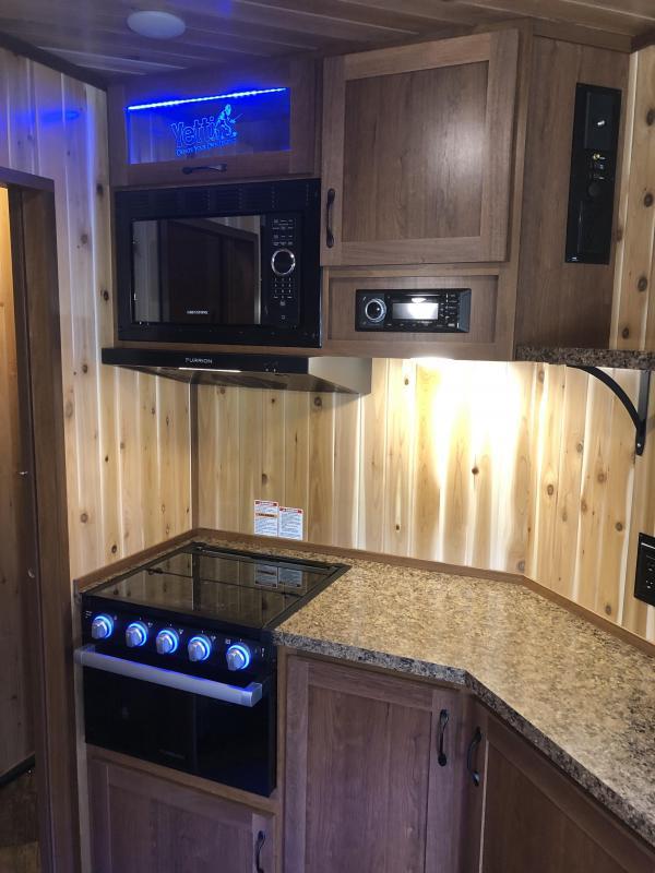 2022 Yetti ANGLER EDITION Ice House A817-PK