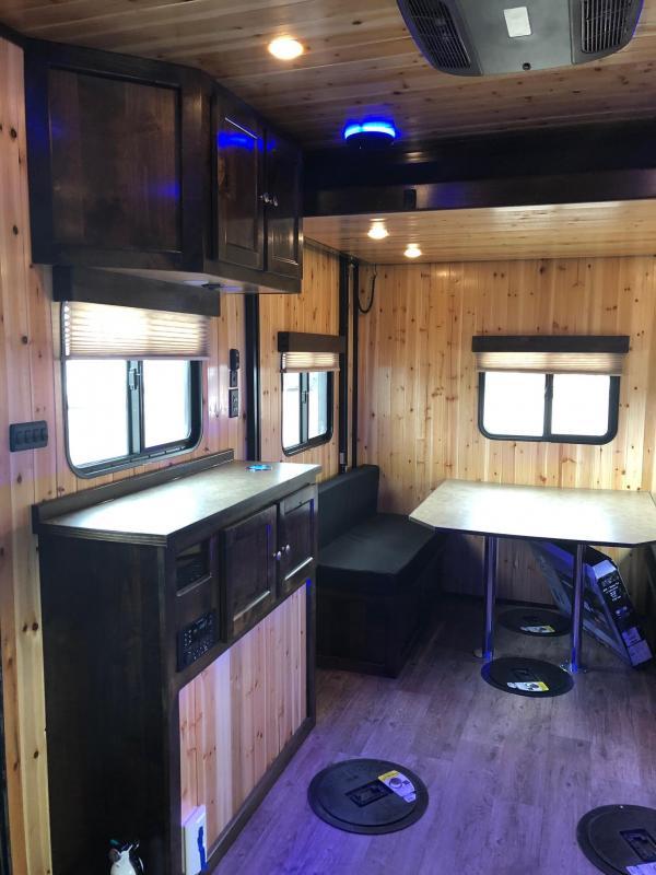 2021 North Point RTT817W Ice House FISH HOUSE