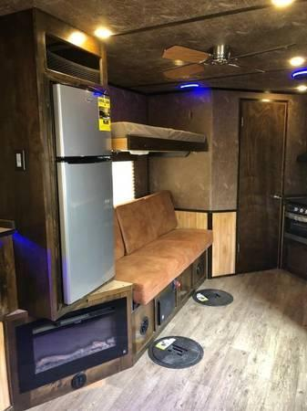 2021 Yetti Custom FInished Ice House Ice/Fish House 8x21