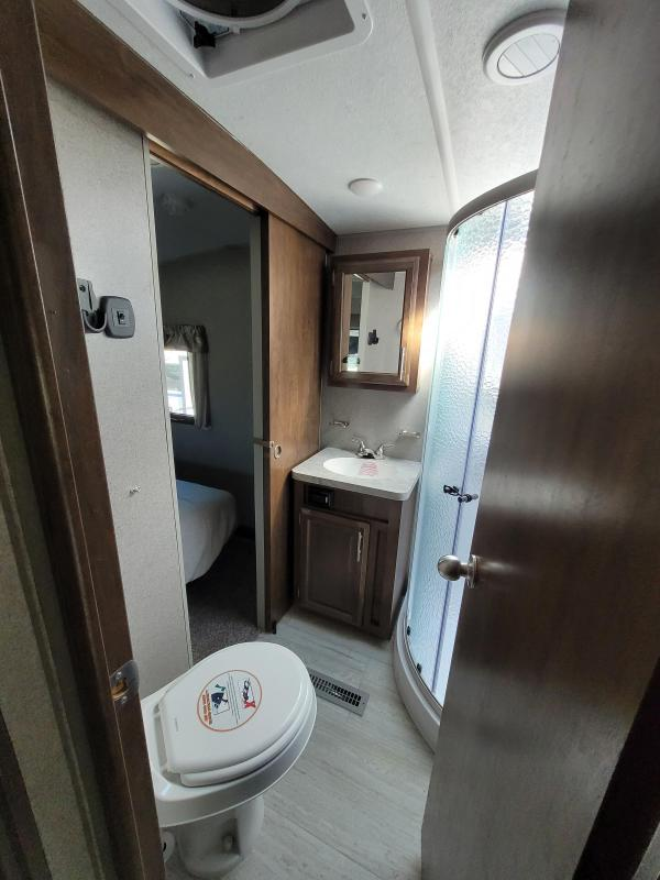2020 Forest River Inc Other Flagstaff Super Lite F526KWSC Fifth Wheel Fifth Wheel Campers RV
