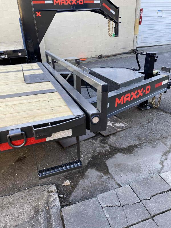 MAXXD TOX - 16K Power Tilt Deckover Trailer Flatbed Trailer