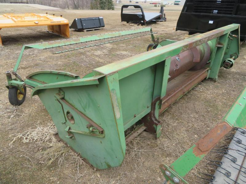 1975 John Deere 212 5 Belt Pickup Head