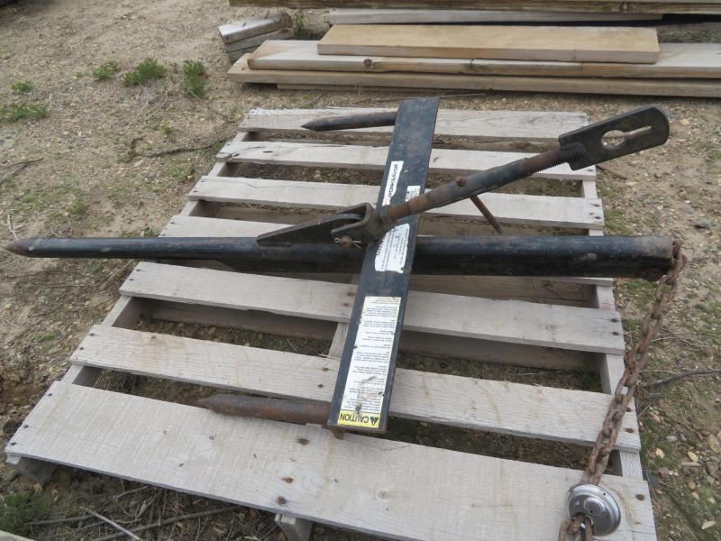 Worksaver Bucket Mount Bale Spear for Loader