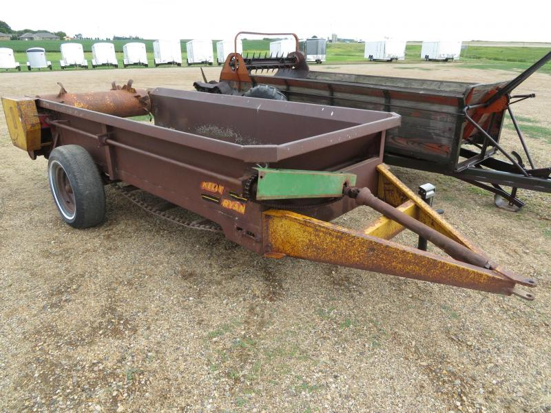 Kelly Ryan Manure Spreader