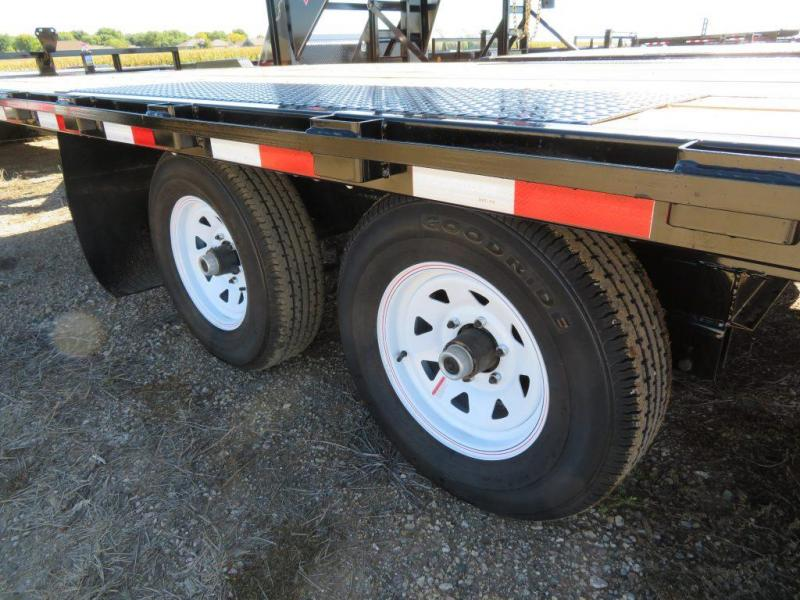 2021 PJ Trailers 24 Medium Duty ATV Deckover Trailer