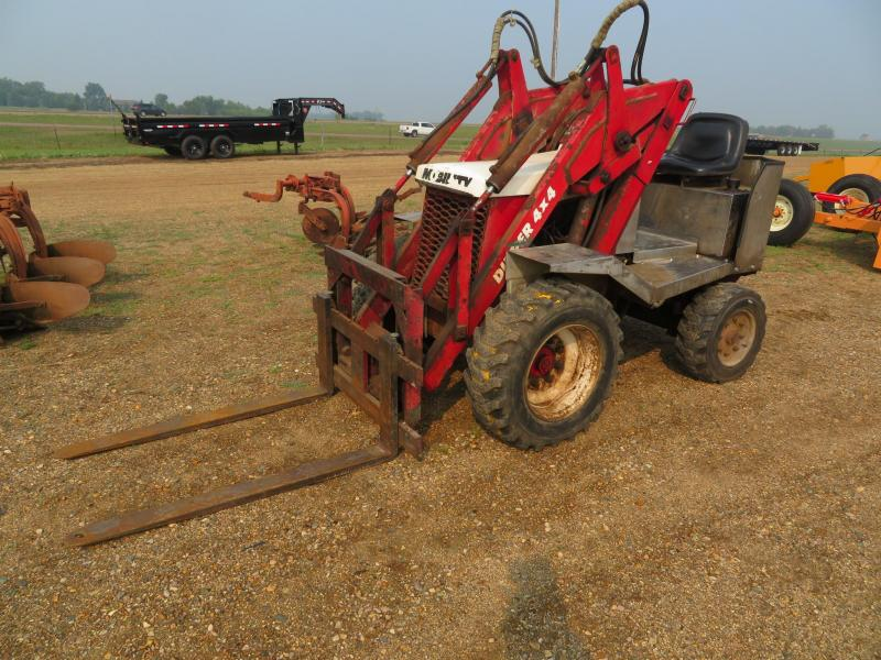 Mobility 4 x 4 Dipper with Pallet Forks