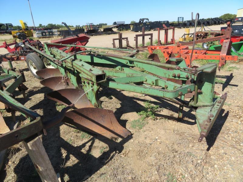Used John Deere 4 Bottom Plow - Steerable