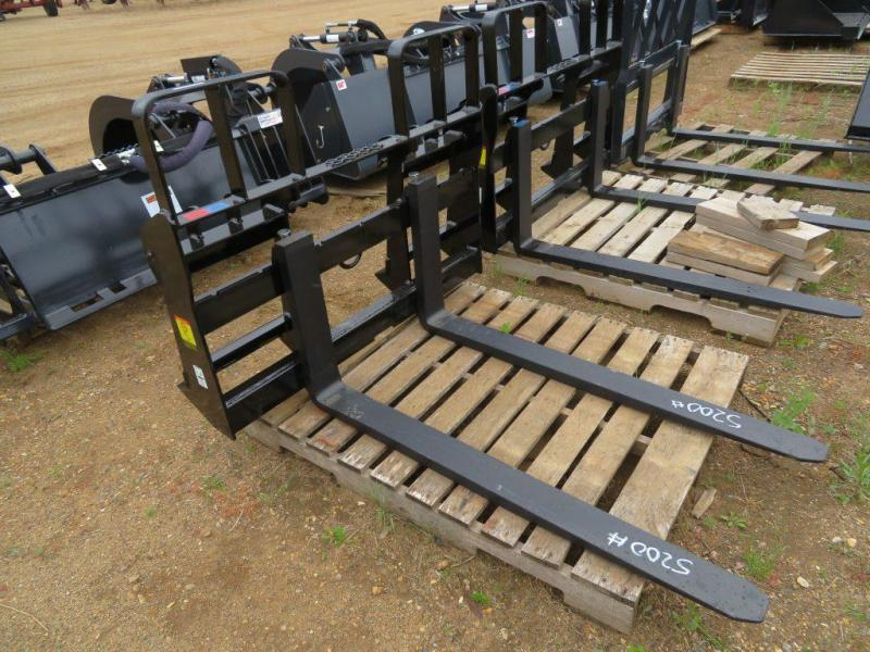 New MDS Skid Steer Pallet Forks