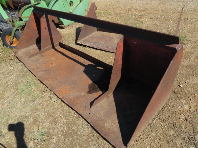 Used Farm Hand 8' Loader Bucket
