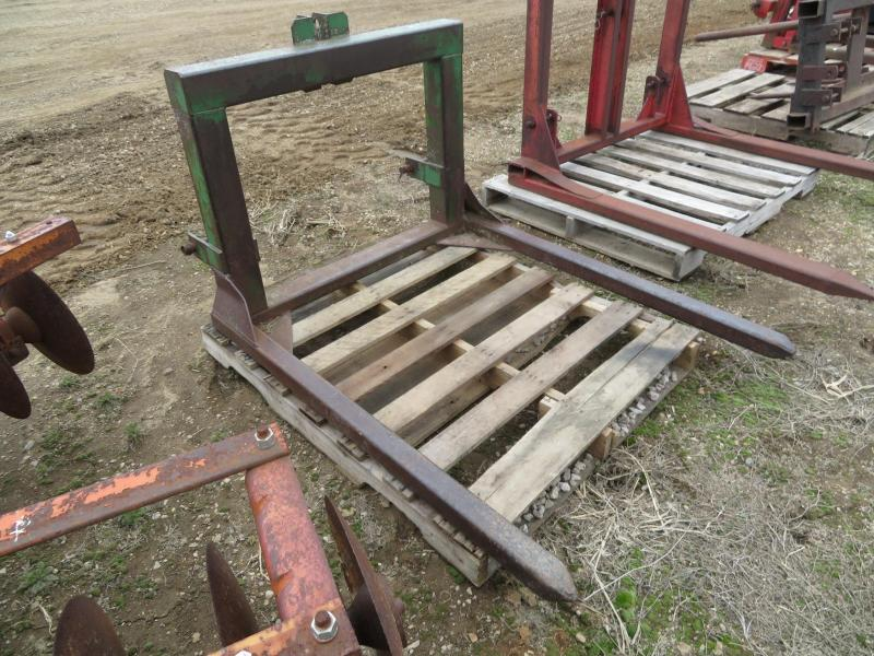 Used Green 3 Point Bale Fork
