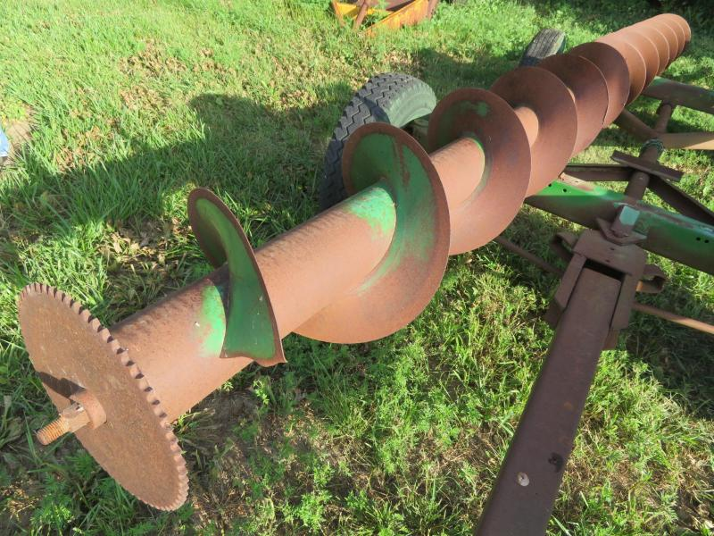 Used John Deere 214.5 Inch 90 Series Cornhead Auger