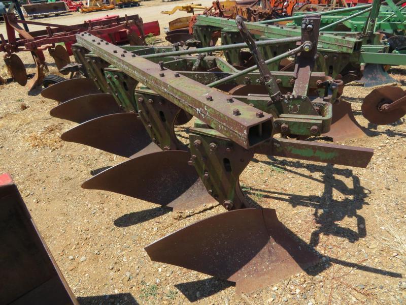Used John Deere 5 Bottom Plow - 3 Point