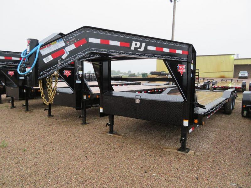 2020 PJ Trailers 26 Drive-Over Fender GN Trailer