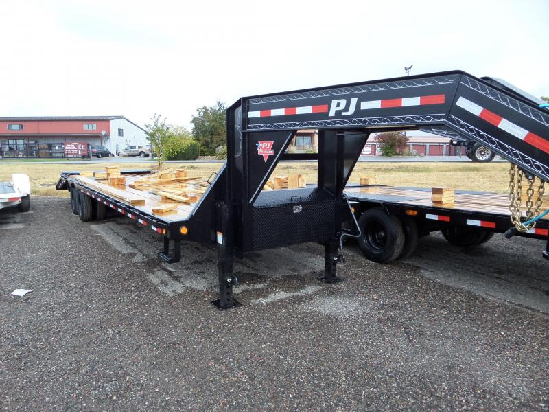 2021 PJ Trailers Low-Pro Flatdeck with Duals (LD) 32'