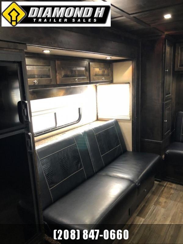 2017 Logan Coach 816 Stockman LQ