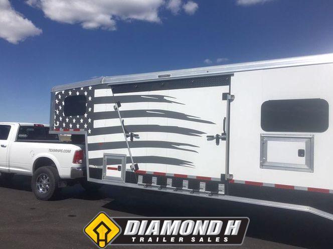 2019 Logan Coach Horse Power 33'
