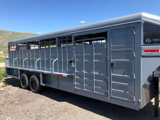 2021 Swift Built Trailers 26' Tack Box Livestock Trailer