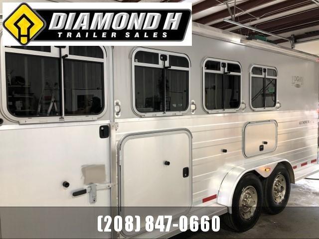 2008 Logan Coach 7309 XTR Horse Trailer