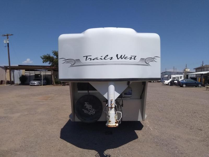 2002 Trails West Manufacturing SIERRA Horse Trailer