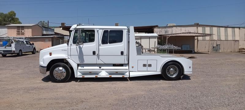 2000 Freightliner SPORTS CHASSIS Truck