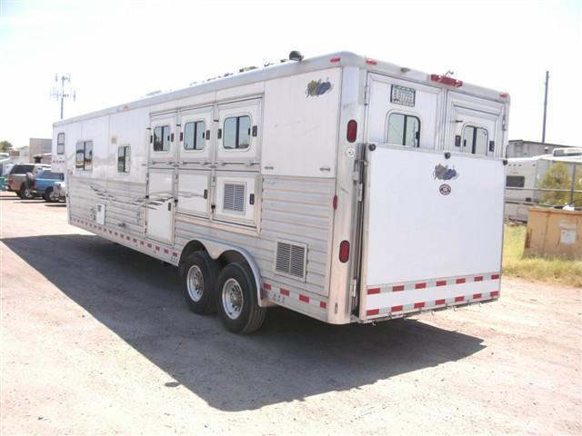 2004 Dream Coach Trailers LLC 3H w. 15 Custom LQ Horse Trailer