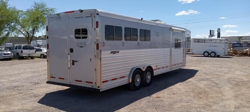 2014 Logan Coach RAZOR 3H 809 PLATINUM W/ SLIDE Horse Trailer