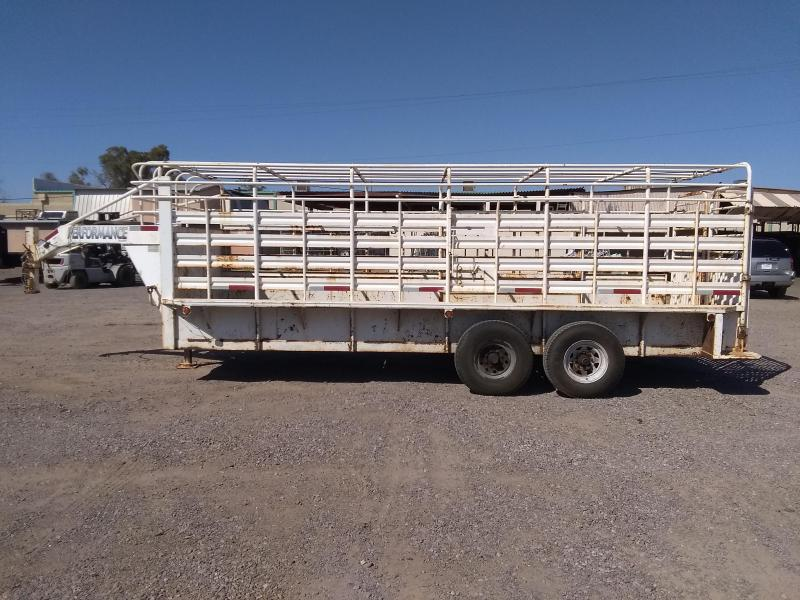 2002 Performance Trailers 20' GN BAR TOP Livestock Trailer