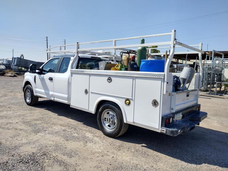 2017 Ford F-350 4D XL CONCRETE TRUCK Truck