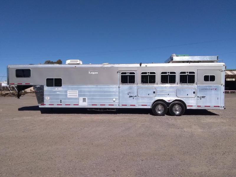 2006 Logan Coach 4H 813 ULTRA W/ GEN Horse Trailer
