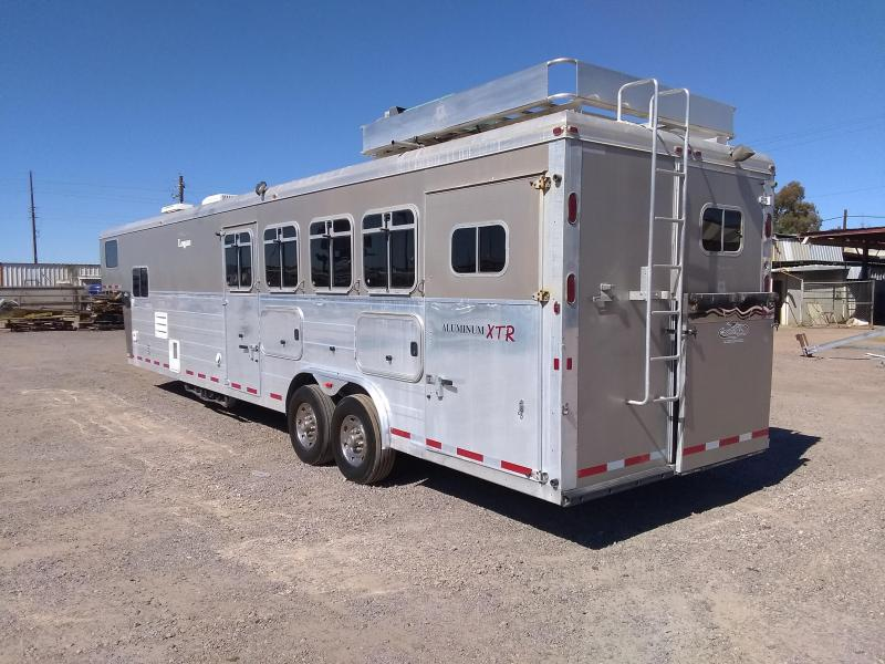 2006 Logan Coach 4H 813 ULTRA W/ GEN Horse Trailer