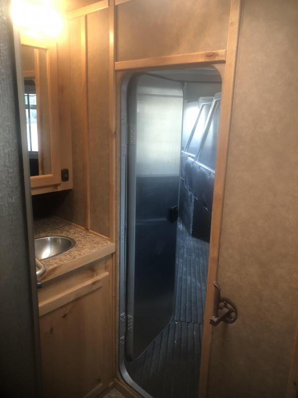 2011 Logan Coach EDGE 3H 7310 W/ SLIDE AND GEN Horse Trailer
