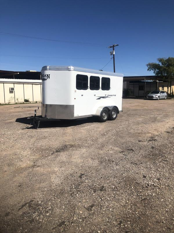 2019 Logan Coach CROSSFIRE 3H BP Horse Trailer