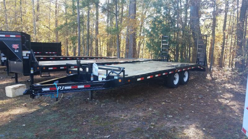2021 PJ Trailers F820 Equipment Trailer