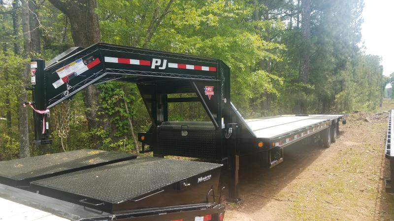 2021 PJ Trailers LY34 Equipment Trailer